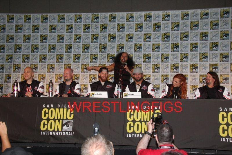 MORE PHOTOS FROM THE MATTEL/WWE PANEL & BOOTH SIGNINGS   WrestlingFigs